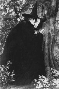 400px-The_Wizard_of_Oz_Margaret_Hamilton_1939_No_1