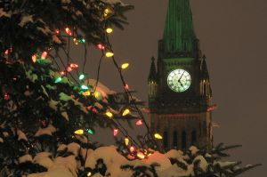 800px-Peace_tower_at_Christmas_2