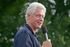 800px-President_Bill_Clinton_2007