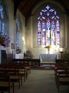 450px-Chancel,_St_John_the_Baptist_Church,_Tisbury_-_geograph.org.uk_-_1091009