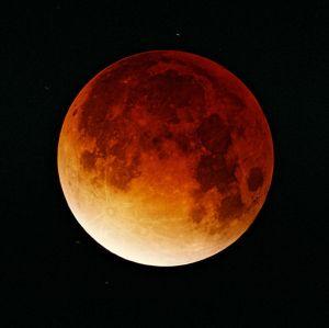 601px-Lunar-eclipse-09-11-2003