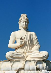 415px-Buddha's_statue_near_Belum_Caves_Andhra_Pradesh_India