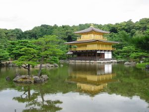 800px-IMG_1444_Kinkaku-ji