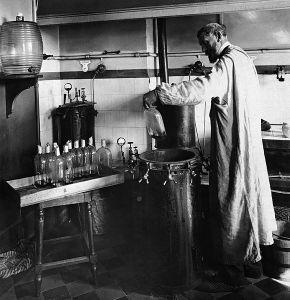 580px-Louis_Pasteur_experiment