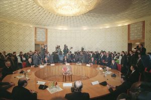 800px-RIAN_archive_140800_Signing_of_Protocol_on_Establishing_Commonwealth_of_Independent_States