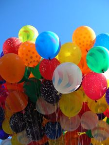 448px-Balloons_in_the_sky