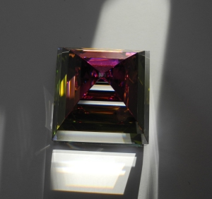 pyramid crystal2