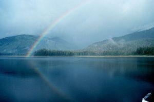 800px-Rainbow10_-_NOAA