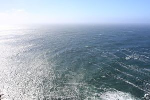 800px-circular_diffraction_ripples_at_point_reyes_lighthouse